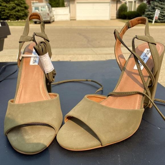 Steve Madden chunky heels- new, never worn!